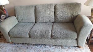 Beautiful couch in perfect condition Stratford Kitchener Area image 2