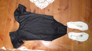 maillot noir pour danse  + soulier tissu blanc 6X-7 à Beloeil