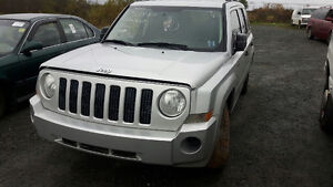 JUNKING 2 X 2008 JEEP PATRIOTS 4X4 AND 2WD LOADS OF PARTS!