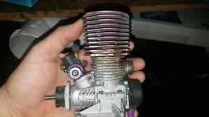 Hpi savage 4.6ss one complete running one complete but apart.  Kitchener / Waterloo Kitchener Area image 3