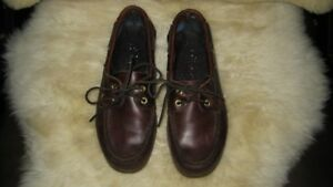 Sperry Topsiders  Men's Size 9M  price 20.00