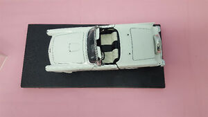 1957 Ford Thunderbird 1/18 Scale White Die-Cast