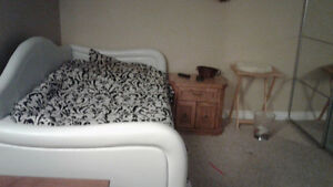 Room for rent close to college Sarnia Sarnia Area image 1