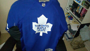 Toronto Maple Leafs Jersey worn 3 times XL $ 40