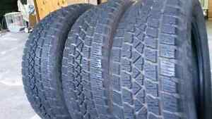 "225 / 60 / 17 "" 3winter tires new condition"