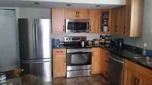 Executive suite for rent 1250 call Jason 250.540.7009