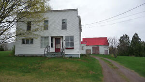 Large Farm House minutes from Ski Wentworth For Sale