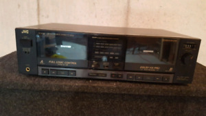 JVC CASSETTE TAPE DECK & CD PLAYER