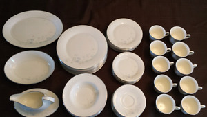 Royal Doulton Jessica 8 Place Fine Bone China Set + Extra Pieces