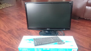 20'' ACER LCD Monitor and NEW logitech keyboard and mouse