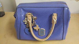 Guess  Purse - GOOD CONDITION