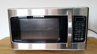 PROPRE Micro-ondes - CLEAN microwave oven - 1.1 cu.ft.- Danby