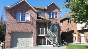 Spacious 3 bedroom condo with garage only 5 min Ottawa