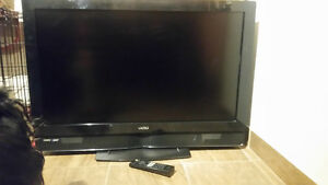 "Visio Smart TV - 32""  Excellent Condition"
