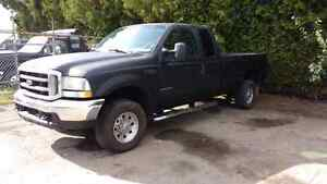 2002 Ford F-250 Pickup Truck London Ontario image 1