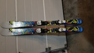 K2 twin tip downhill skies with boots 27-27.5