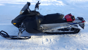 2011 Ski Doo 800 Everest