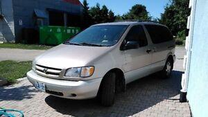2000 Toyota Sienna LE Minivan, Van