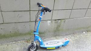 Razor E100 Electric Scooter selling as is not working for parts