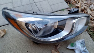 2012-2014 Hyundai accent  right side factory oem headlight