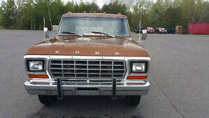 1978 Ford F-350 Lariat in Great shape - ST. Stephen, NB