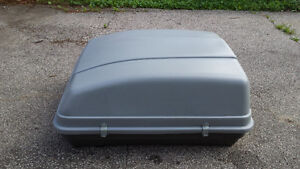 Car rooftop carrier box