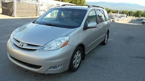2007 Toyota Sienna Auto 7 Passenger Comes Wite Inspecition