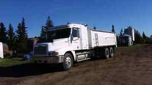 1999 Freightliner grain/ silage truck for sale or trade