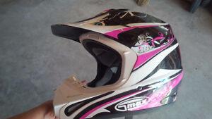 Ladies Gmax snowmobile helmet - like new