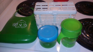 Wash rack for dishwasher, no spill snack cup and drink cup