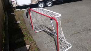 New hockey net