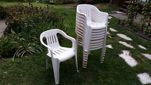Lot de 10 chaises de patio en pvc blanches