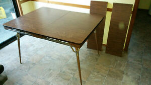 Vintage look kitchen table
