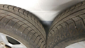 2x 215/55/17 Winter Tires & Rims Good Condition Toyota Venza West Island Greater Montréal image 4