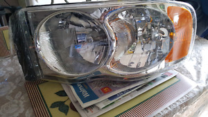 2004 dodge ram 1500 head light