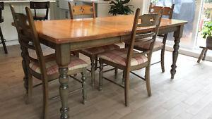 Table et chaises de marque Bermex !