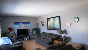 Perfect Family Home! Affordable Small Town Bungalow