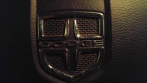 **Dodge Avenger Black Edition**