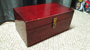 Vintage Solid Wood Table Top Chest, Very Nice!