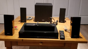Sony BLU-RAY DISC-DVD Receiver HBR-E280 with 5 speakers
