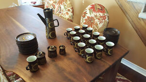 A collection of Denby Arabesque coffee pot/cups/plates set