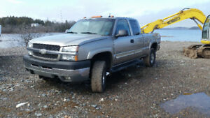 2003 Chevrolet Silverado 2500 HD Diesel with plow