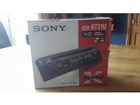 Sony CDX-GT31U Car Stereo/CD Player With Orange Speakers