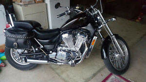 1986 Suzuki Intruder 750 for sale London Ontario image 1