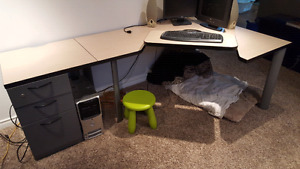 **PENDING**Office / Computer desk with 2 drawer cabinet