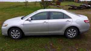 Toyota camry le  2010  6900$