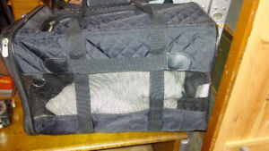 Soft-side dog/cat travel carrier