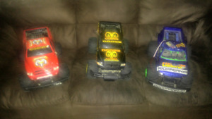 4x4 R/C Monster Trucks