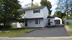 Fabulous Remodeled Home in Elliot Lake!