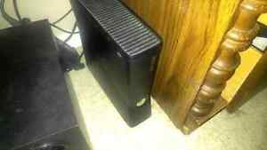 Xbox 360 and 8 games, 1 controller